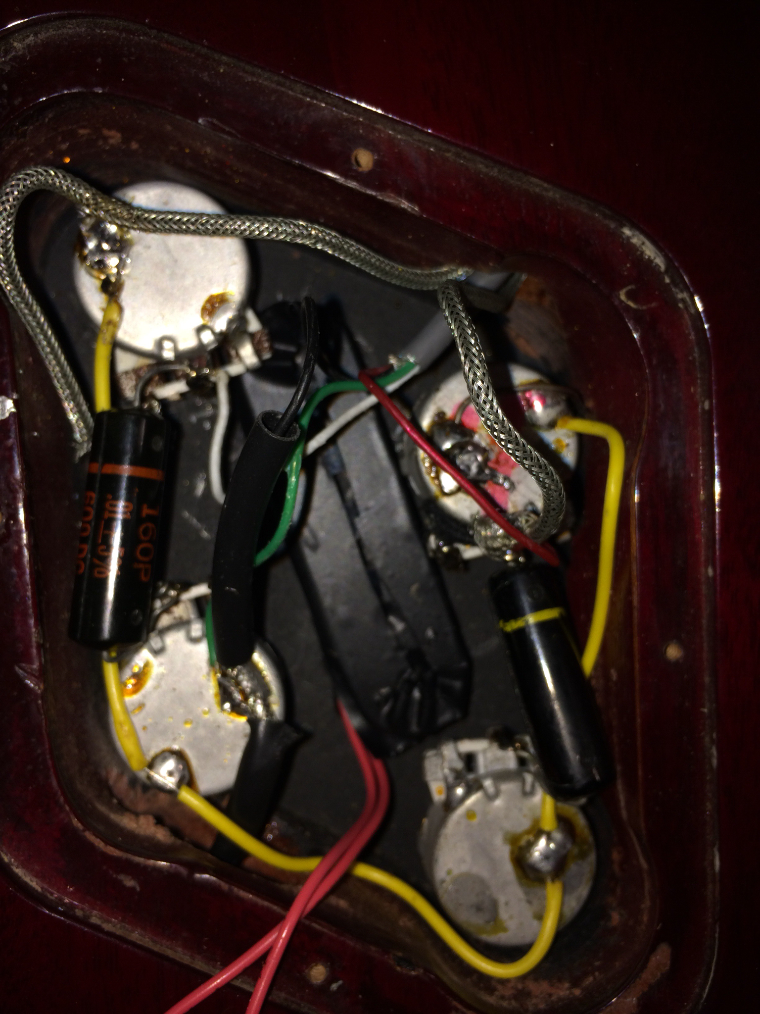 that's the other coil from the $20 epiphone bridge humbucker